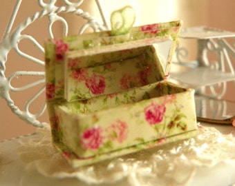 dollhouse miniature jewelry box