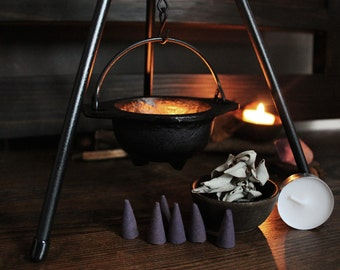 Cauldron and Tripod Magical Workings Set