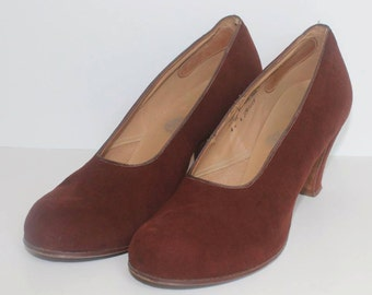 1940's CC41 Clarks Brown Suede Shoes - Genuine Vintage - Size 4