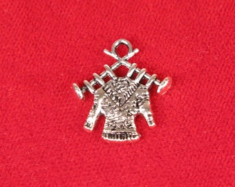 "10pc ""knitting"" charms in antique style silver (BC1004)"