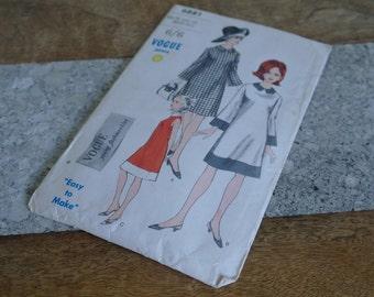 "Vogue 6881, Shift Dress Pattern, Bust 34"" - 1960 Dress Pattern"
