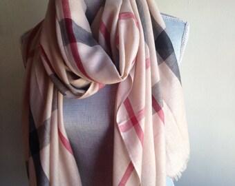 Plaid Scarf,  Plaid Scarfs, Fashion Plaid Scarves,Beige plaid scarf, trending scarf, fall scarf,trending scarfs