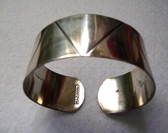 Vintage ALPAKKA (FINLAND). Silvertone Bangle Bracelet.