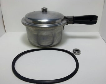 Free Shipping!! Vintage National Nesco 4 QT Pressure Cooker No.4 With New Seal