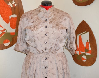 Womens Vintage 1950's Floral Brocade Rhinestone Button Swing Dress in Taupe - XL XXL VOLUP