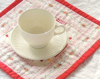 Farmhouse Inspired Red Gingham Check and White Square Quilted Mug Rugs/Coasters, Set of 4, Mini Quilt Squares