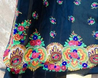 Black Rose Russian Shawl, Pavlovo Posad shawl, Ukrainian Shawl, headscarf Folk, Wool Scarf Babushka, Roses Traditional Slavic Floral Shawl