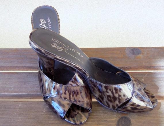 Leopard Heels Sandals Shoes Size 7 Donald J Pliner Feigel