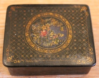 19th C or Early 20th C Russian Lacquer Box