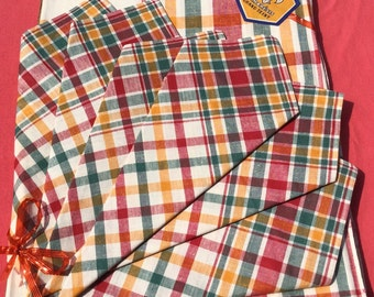 Tablecloth with cotton napkins /checked tablecloth From the 70's