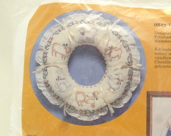 Vintage Wreath Touch O' Country Craft Kit Melanie Vogel Creative Circle 1986
