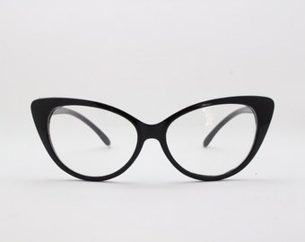 Black cat eye 50s style glasses, classic vintage rockabilly style spectacles. Clear lens, optical, frame, prescription.