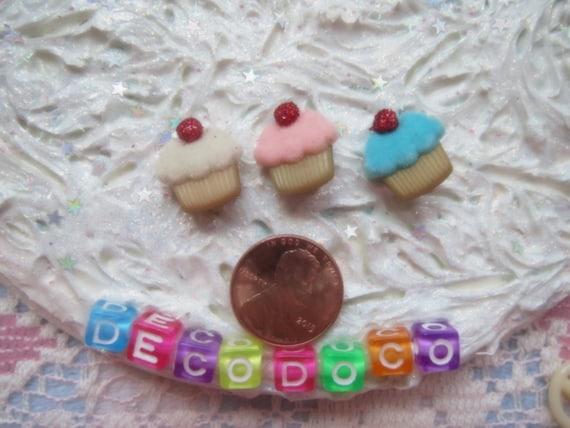 0: )- CABOCHON -( Rainbow Cupcakes set of 3