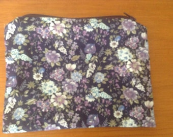 Floral zippered purse