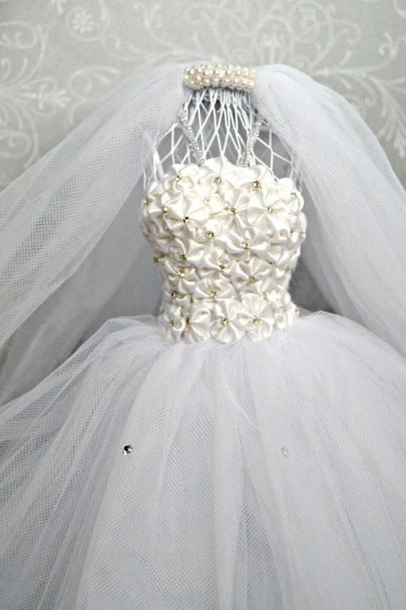 White bride dress form mannequin wire dress form wedding for Wedding dress vase centerpiece