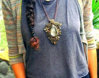 Macramé big pendant necklace whit a powerful golden obsidian