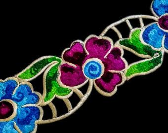 Multicoloured Fine woollen threads,outlined with golden metallic threads trim