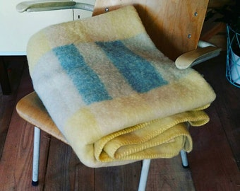 Vintage wool blanket. Fifties Dutch origine by aabe