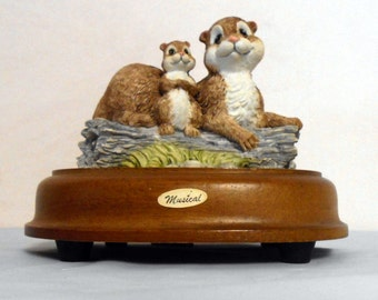 Vintage Porcelain Music box  Wind up music box  Chipmunk Nature's Friends music box