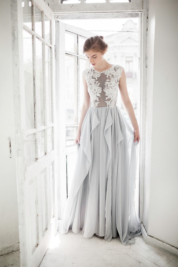 Grey wedding dress // Iris