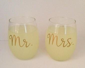 Mr. and Mrs. Wine Glasses, Set of Two, Wedding Wine Glasses, Wedding Present
