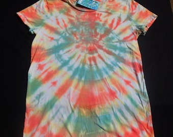 Women's Small Tie-Dyed T-Shirt