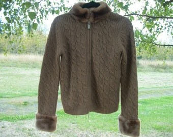 Pretty EDWARDIAN FAUX FUR Look Brown Sweater from the 90s zip up front m to lg