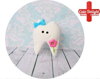 Cute Tooth Pin Handmade from polymer clay, tooth pin, teeth pins, tooth pins, tooth brooch, teeth brooch, dental pin, dentist brooch