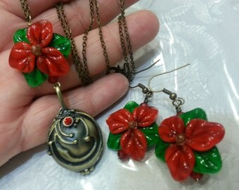 Awesome Lampwork Sculpted Poinsettia Flower Oval Locket Style Necklace  and Earring Set