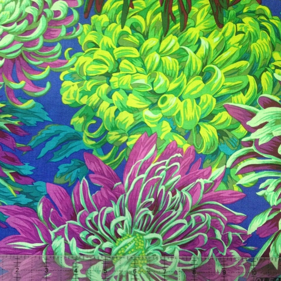 JAPANESE CHRYSANTHEMUM  in Green  PJ41 Philip Jacobs Kaffe Fassett Sold in 1/2 yd increments