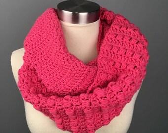 WOMEN'S BLOCK LOOP Infinity Crochet Scarf, Crochet Infinity Scarf, Gifts for her, Scarves, Women's crochet scarf, Winter Accessories.  Cowl.