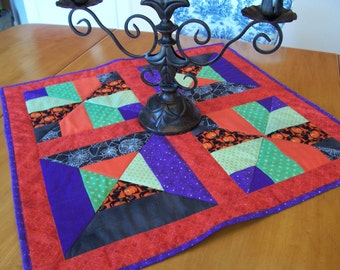 Halloween Machine Quilted Table Topper, Mini Quilt
