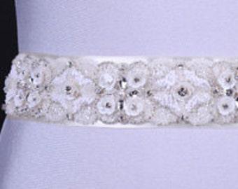Belt wedding dress