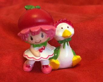 Cherry Cuddler with Gooseberry Mini Miniature Strawberry Shortcake