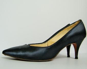 1950s Navy Satin Heels, Midnight Blue Pumps, Midnight Navy Dyed Heels, 50s Navy Satin, Satin Heels, Vintage Prom Shoes, Wedding Shoes, Sz 7