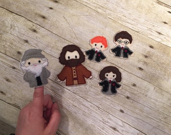 Set of 5 Finger Puppets and Case- Wizards