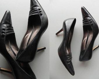 black stilettos \ pointy pumps \ amalfi heels