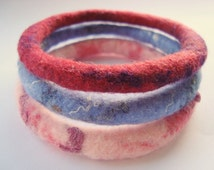 Simple Felt Bracelet, Blue Pink Red Bangle, Small Wrist Bracelets, Minimalist Felt Jewelry