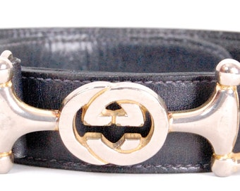 Classic Auth GUCCI belt in leather with a buckle GG .