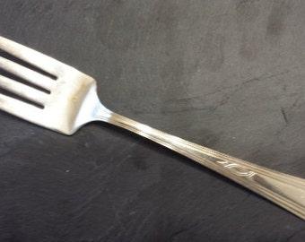 """Vintage Wm ROGERS 1931 PARIS Cold Meat/Buffet Serving Fork 8 1/4"""""""
