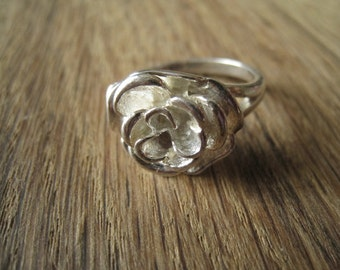 Sterling Silver Blooming Flower Rose Ring Size 7.5 (990)