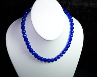 A Beautiful Blue Sapphire Necklace and Earrings. (201562)