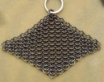 Stainless steel chainmaille pot scrubber