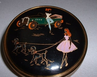 Vintage 1960's STRATTON Made in Great Britain Mod Girl with Poodle Dogs and Jalopy Car Compact (E34)