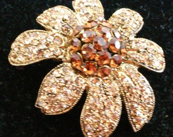 A Beautiful Vintage Floral Rhinestone Brooch