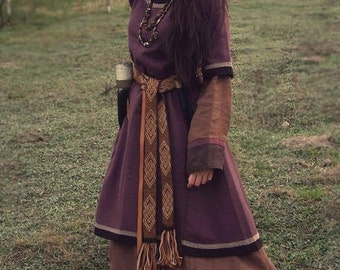 Early medieval woolen dress, tunic, viking costume, reenactment