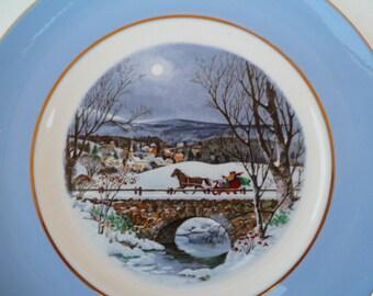 "Vintage Avon Christmas Plate ""Dashing Through The Snow"" 1979 MIB"