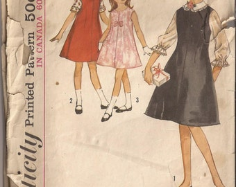 Simplicity 5221 Girls Jumper and Blouse Pattern Size 6 Vintage 1960's