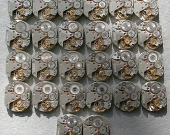 "1/2 x 5/8"" . Set of 26  Vintage Soviet Watch movements , steampunk parts"