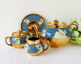 Gibsons 4 Piece Teapot Set Including Stand, Staffordshire, 1950s.
